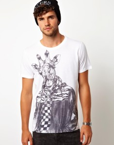T-Shirt with Giraffe Print